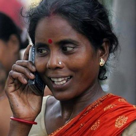 Indienne au Téléphone