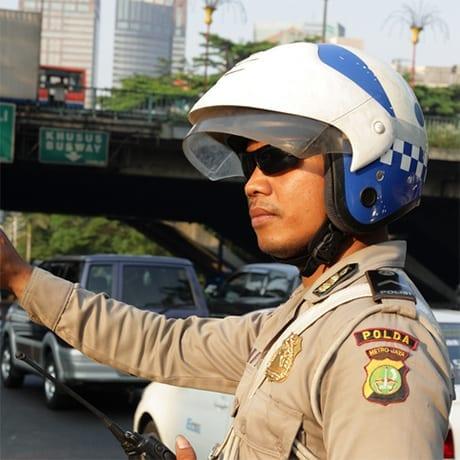 Policier en Indonésie