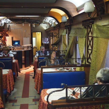 Le wagon restaurant du transmongolien